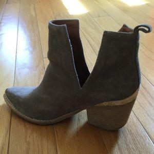 Jeffrey Campbell Slip-on Gray Suede Heels